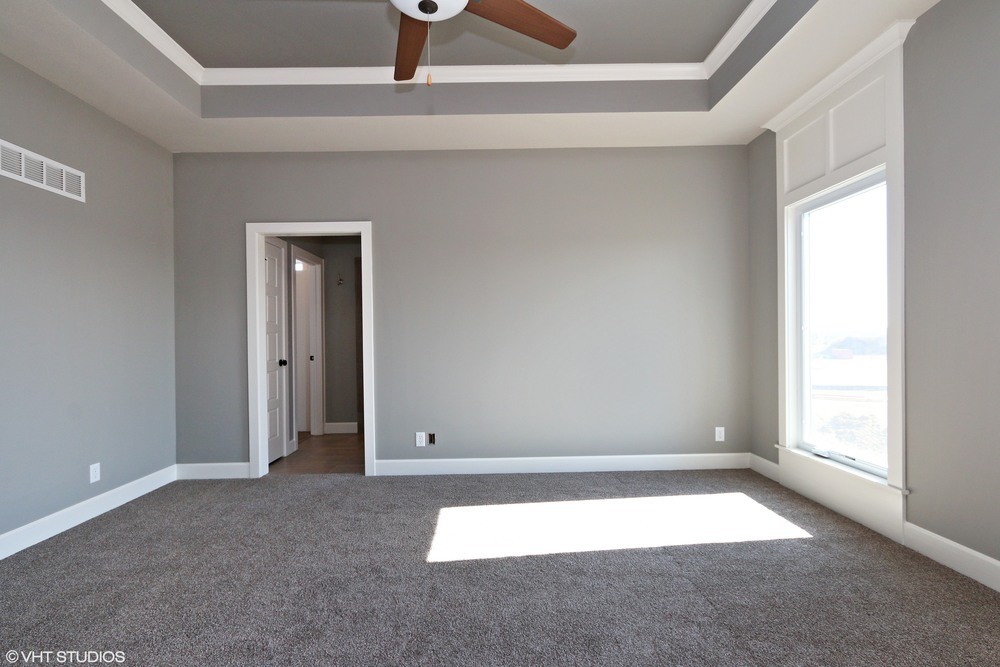 13_171SWRooseveltRidge_178_MasterBedroom_HiRes.jpg