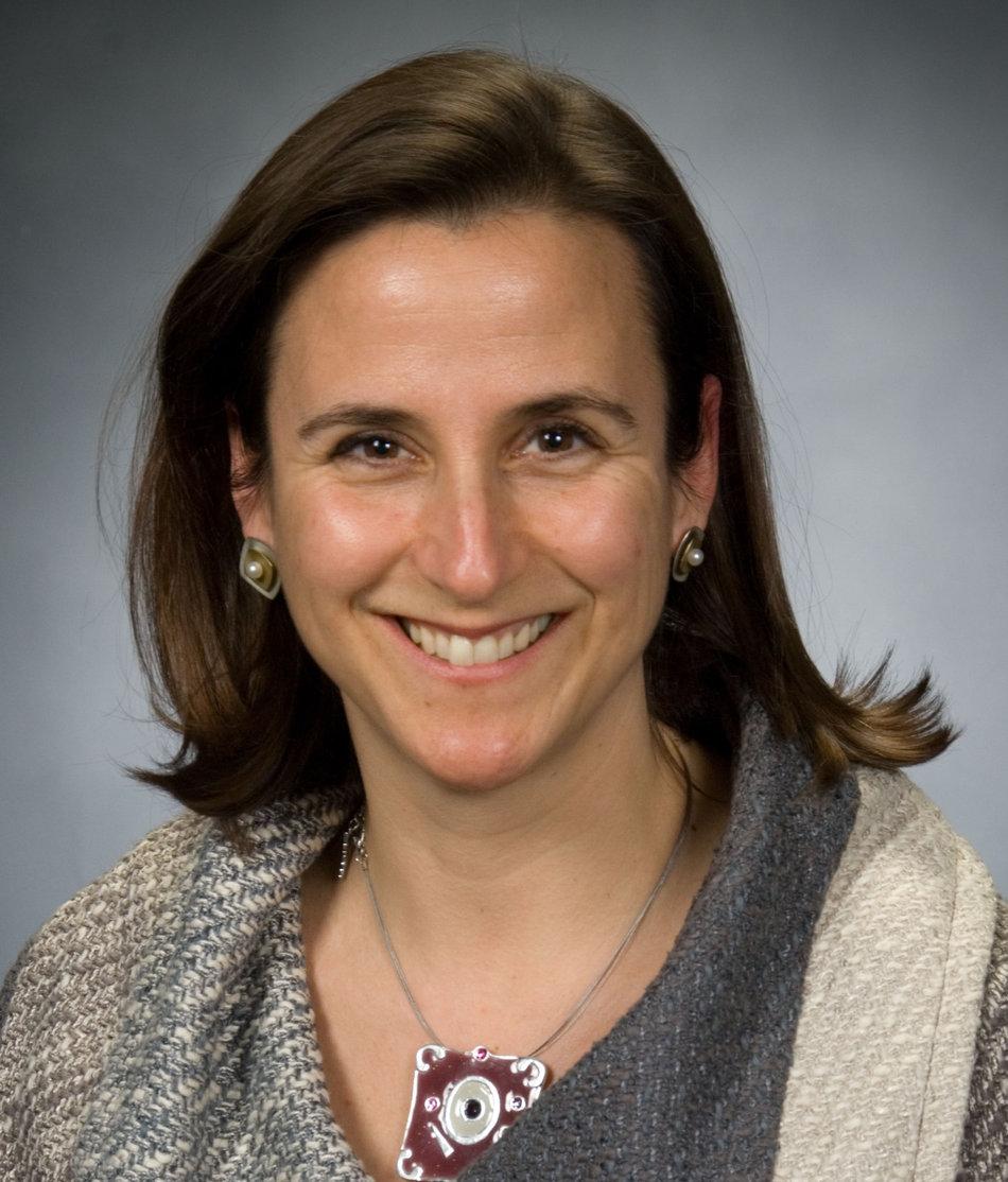 Julia Gaspar-Bates