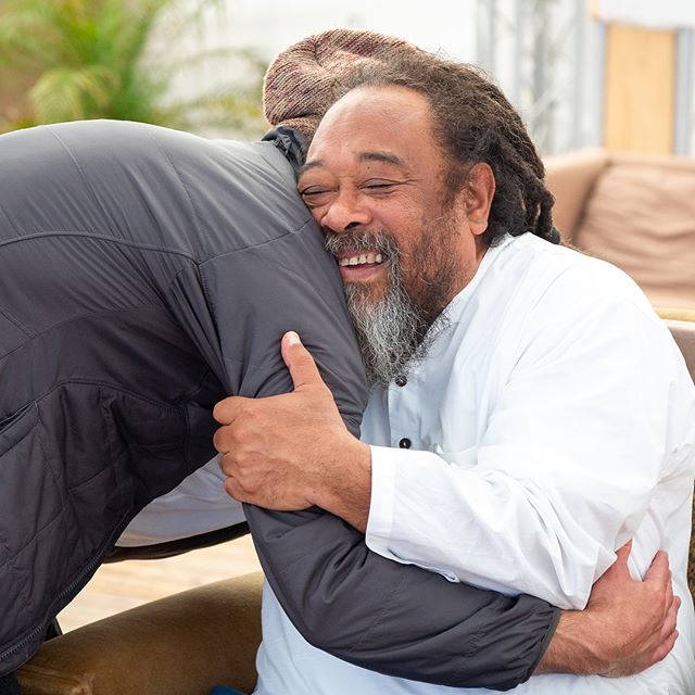 """Sometimes, Grace throws you and your 'world' into  the washing machine, full spin, so that the fearful and controlling tendency  is compelled to offer itself to the Totality—to the will and dance of the Cosmos."" -Mooji 🙏 ""You have the innate power to discern that a presence is arising within you that is not the mind. The Divine is giving you a kiss from within. And even a lightly blown kiss from God will be enough to stir you into embarking upon the search for freedom. That kiss will set your heart on fire!"" - Mooji 🙏 #truth #love #yoga #mooji #peace #joy #wisdom #meditation #jnanayoga #ramanamaharshi #awaken #intellect #beauty #openyourheart #compassion"