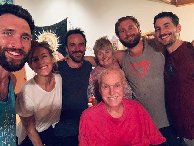 Family. Good to be back home. ❤️🙏 #home #love #family #belovenow #beherenow #ramdass #maui #haiku #hawaii #peace #joy #maharaji #maharajji #hanuman #puja #ramram #spirituality #yoga #meditation #plantmedicine #psychedelic #lovingawareness #newmoon #newmoonritual #newyear #sadhana #teacher