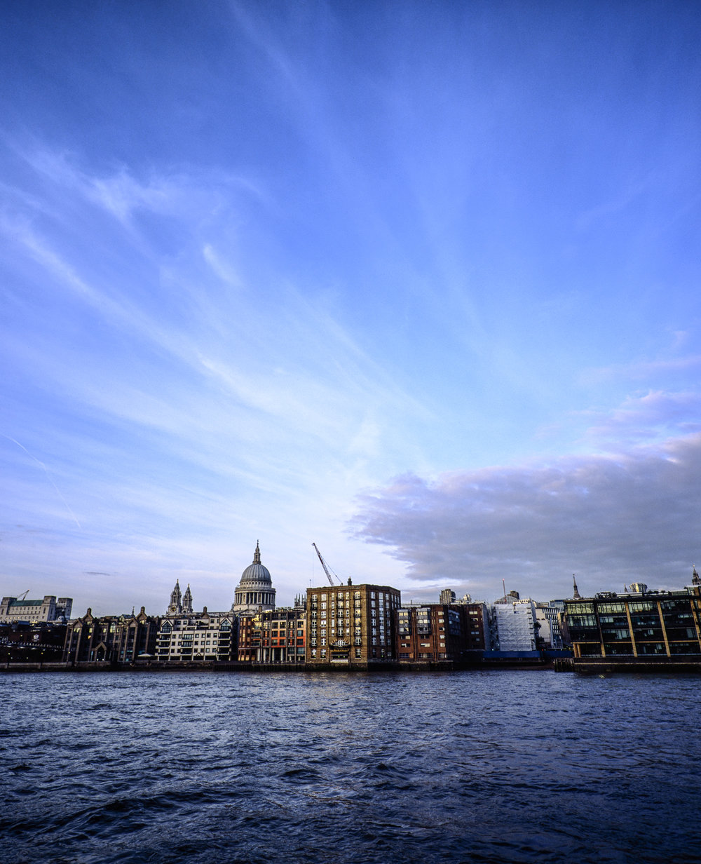 (City of) London, November 2017 - Mamiya 7ii | 43mm f/4.5 | Fujichrome Provia 100F