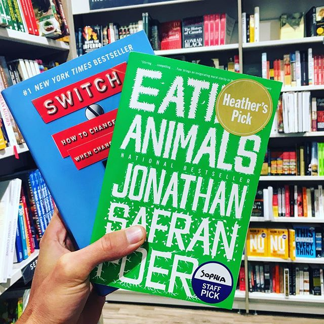 📚🤓 What books have inspired you change the way you eat? Check out our website for our four faves.