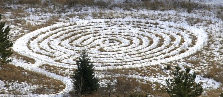 labyrinth.winter.jpg