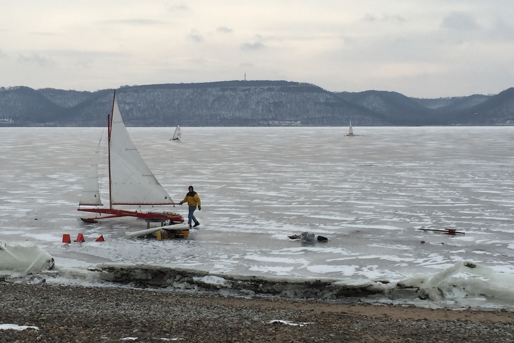 lake pepin ice boat