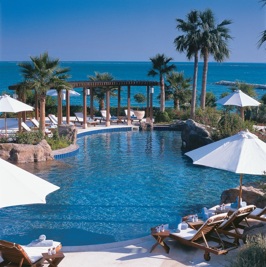 Guide To The Best Beaches Pools In Doha Qatar Daypass Hotel Day Pass Reservation
