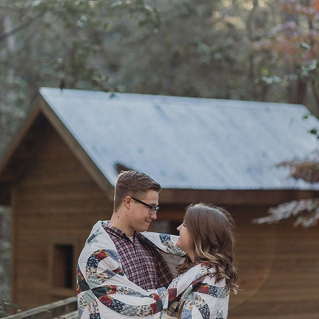 These cozy dreamers are getting married today 🤗♥️💍 . Sorry I've been M.I.A for the last couple of weeks. I have been super busy with life, & taking a social media break, so I can get my business all squared away because this weekend is the start of my wedding season . We are kicking off wedding season with a double wedding weekend! Chrissy & Pierce today & Alyssa & Jackson tomorrow 🎉🎉🎉