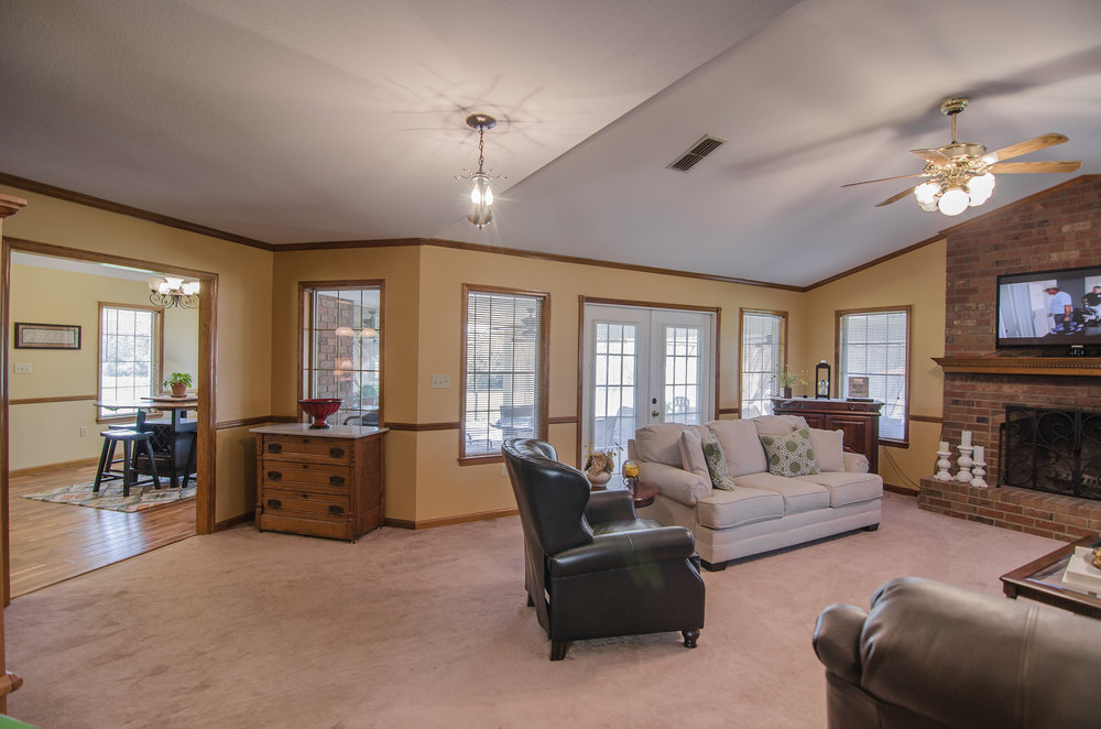 Open Floor Plan - The interior of the home has an open floor plan that allows full use of the homes inside and outdoor living area.