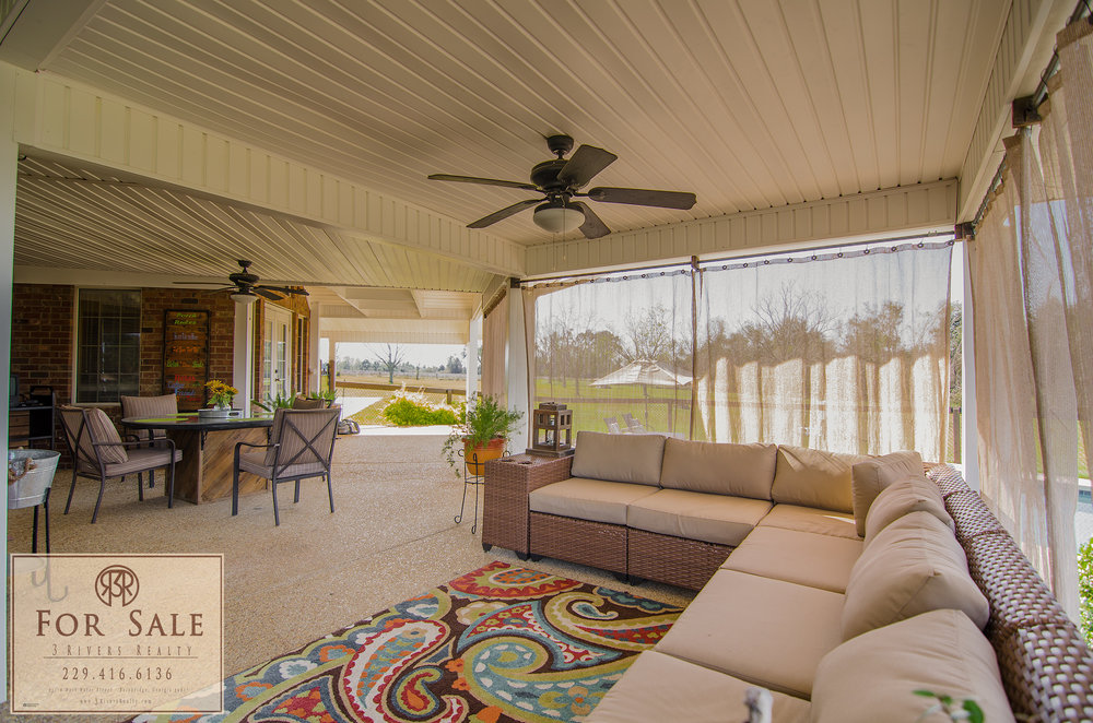 Space for Entertaining - With two separate seating areas and an outdoor kitchen and TV, you will find yourself spending a great deal of time here.