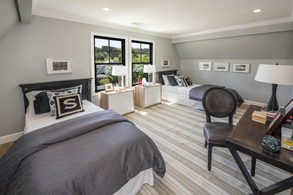 Bedroom DSC_4040.jpg