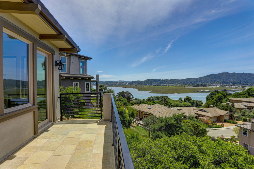 29 Drakes Cove Larkspur's Best Realtor 44 - Own Marin Pacific Union - Marin County's Top Realtor.jpg