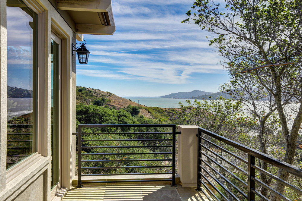 31 Drakes Cove, Larkspur Homes for Sale36 MLS - Own Marin with Compass - Mill Valley Realtor.jpg