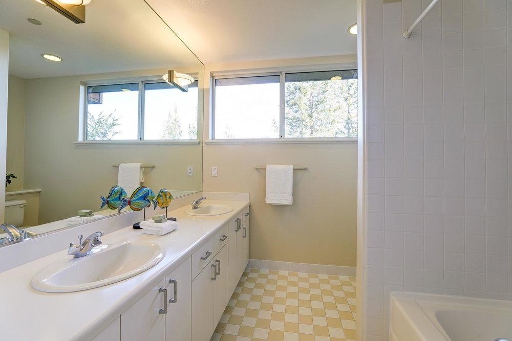 231 Marin Vista Larkspur #1 Realtor - 58 - Own Marin with Compass Real Estate.jpg