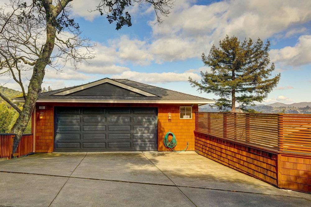 231 Marin Vista Larkspur #1 Realtor - 04 - Own Marin with Compass Real Estate.jpg