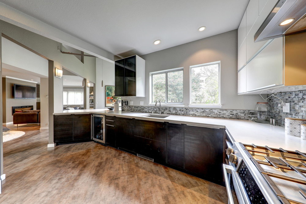 8 Parkview Circle, Corte Madera Real Estate 105- Allie Fornesi with Own Marin at Compass.jpg