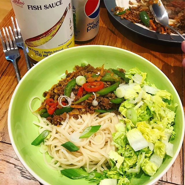 Soy, ginger and honey beef with lotsa veg and egg rice noodles for #dinner. Recipe adapted from @jamieoliver #EverydaySuperfood 👌🏽