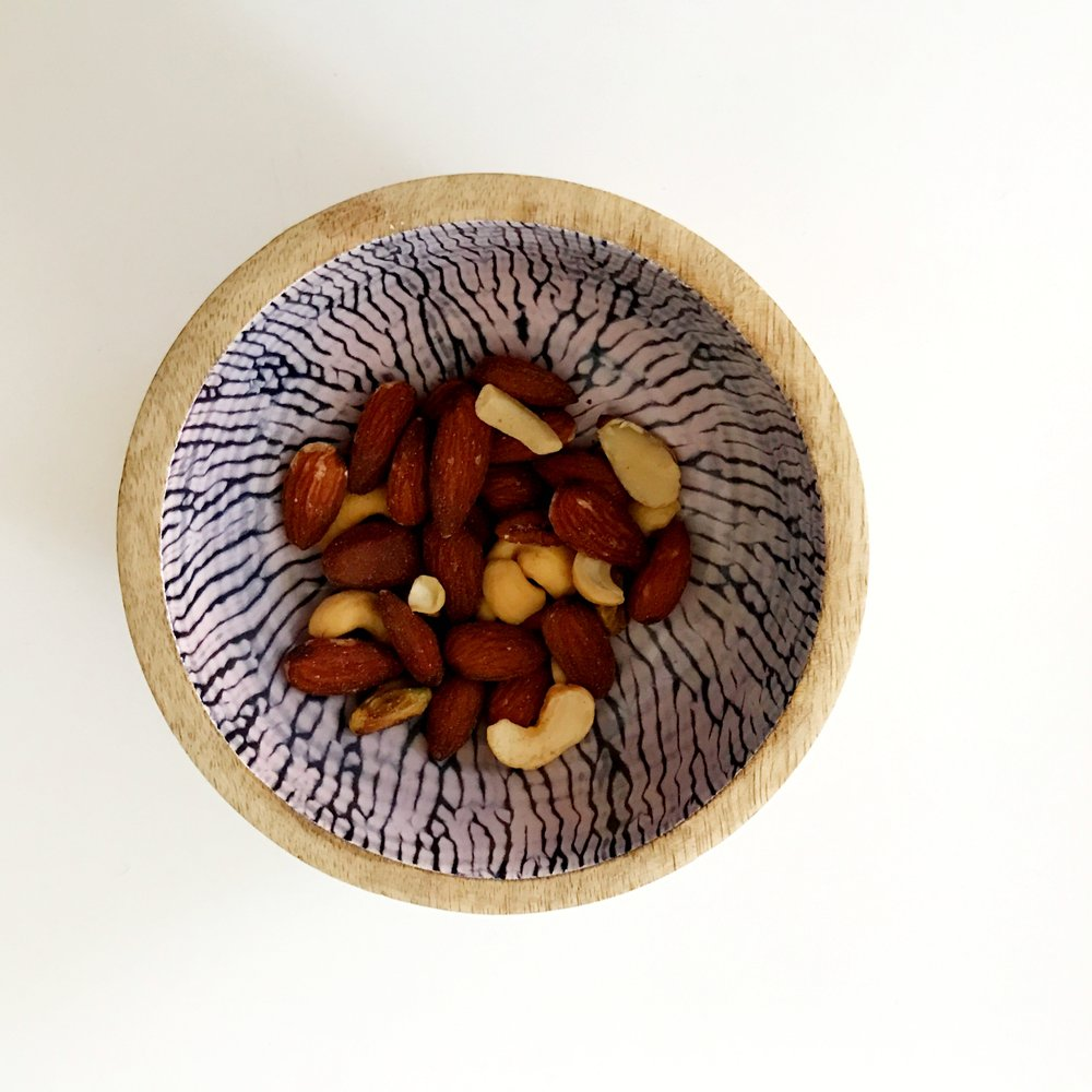 HANDMADE CIRCLE PRINT WOOD BOWL