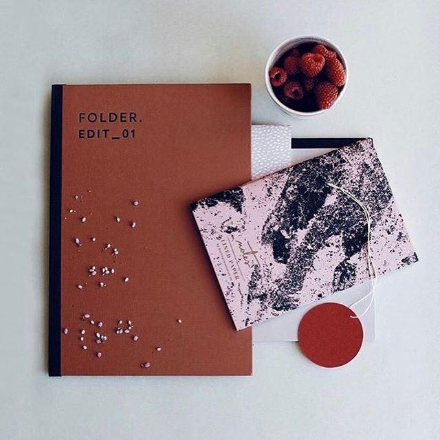 Getting work done is just more fun when pretty stationery is involved. We ❤️ this dusty red folder from @darlingclementine.no #regram