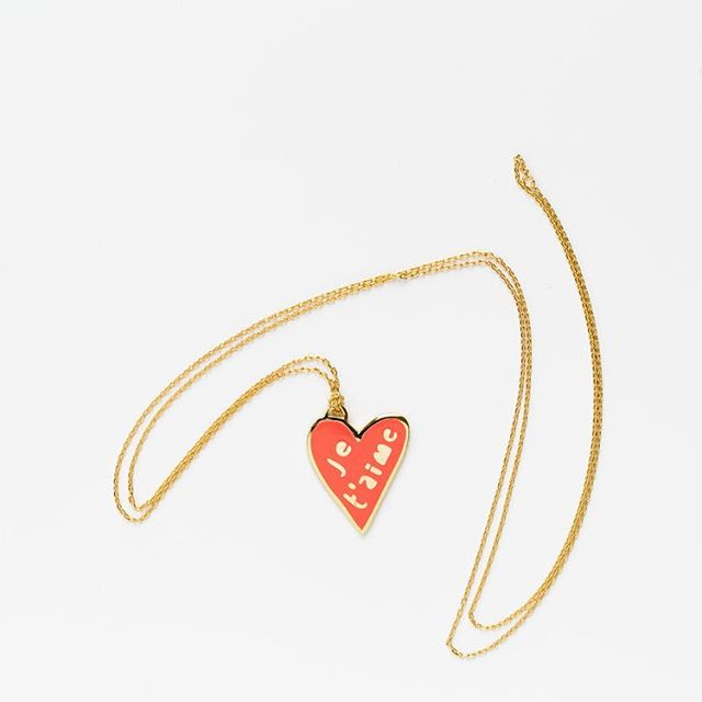 Send thoughtful and meaningful gifts that last. Our collection of jewelry are designed and created by talented women from near and far. #shopsmall #valentinesday