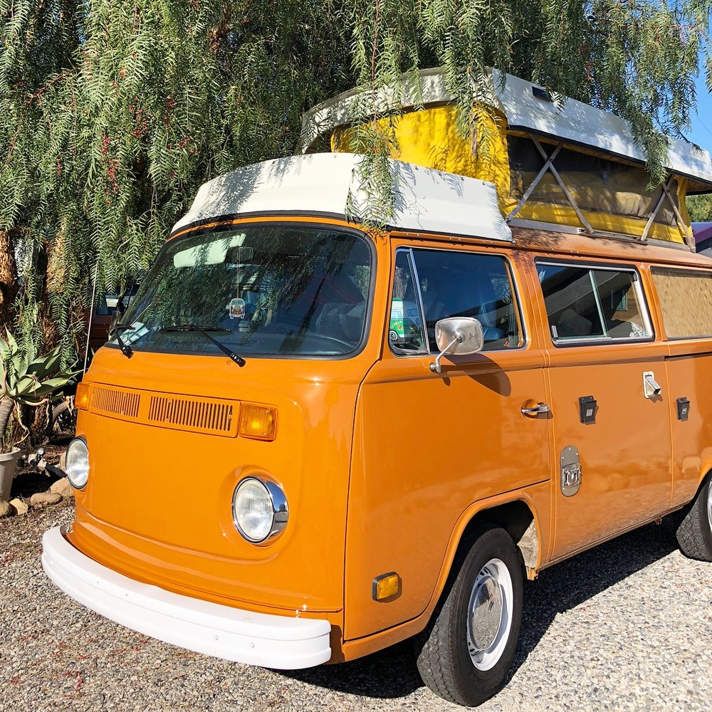 BAY WINDOW CAMPER -