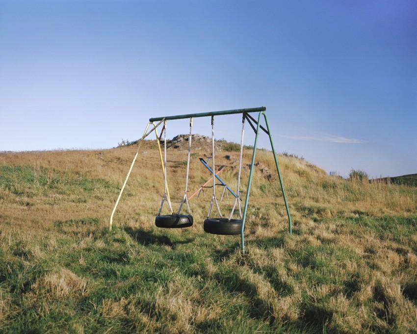 Iceland_Swings_NoEdge-850x680