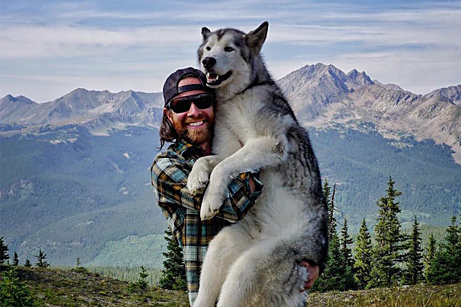 Man Documents His Incredible Outdoor Adventures with His Dog - My Modern Met