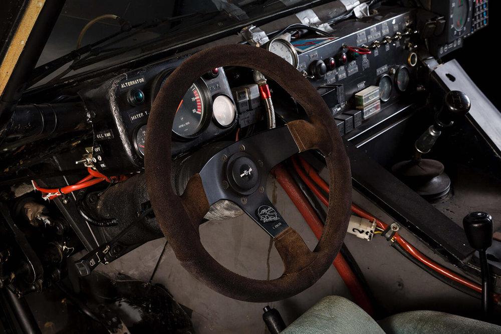 Lamborghini-LM002-Rally-Car-6.jpg