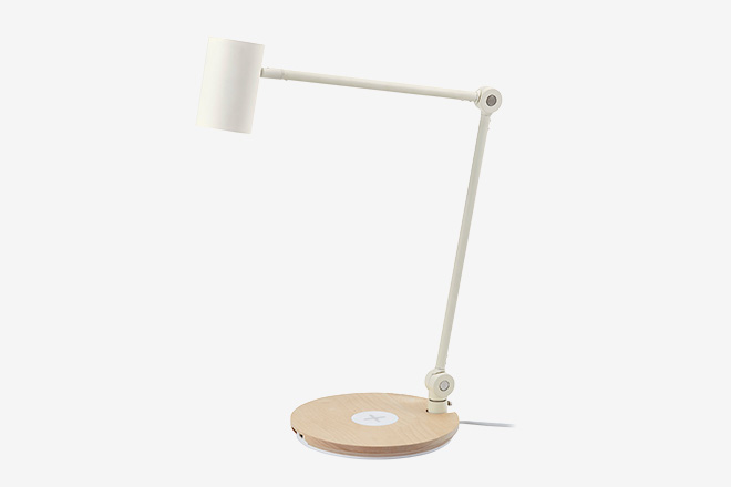 Ikea-Riggad-Lamp-With-Wireless-Charge-Pad.jpg