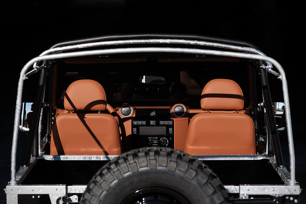 Back-in-Black-Land-Rover-Defender-by-Cool-Vintage-4.jpg