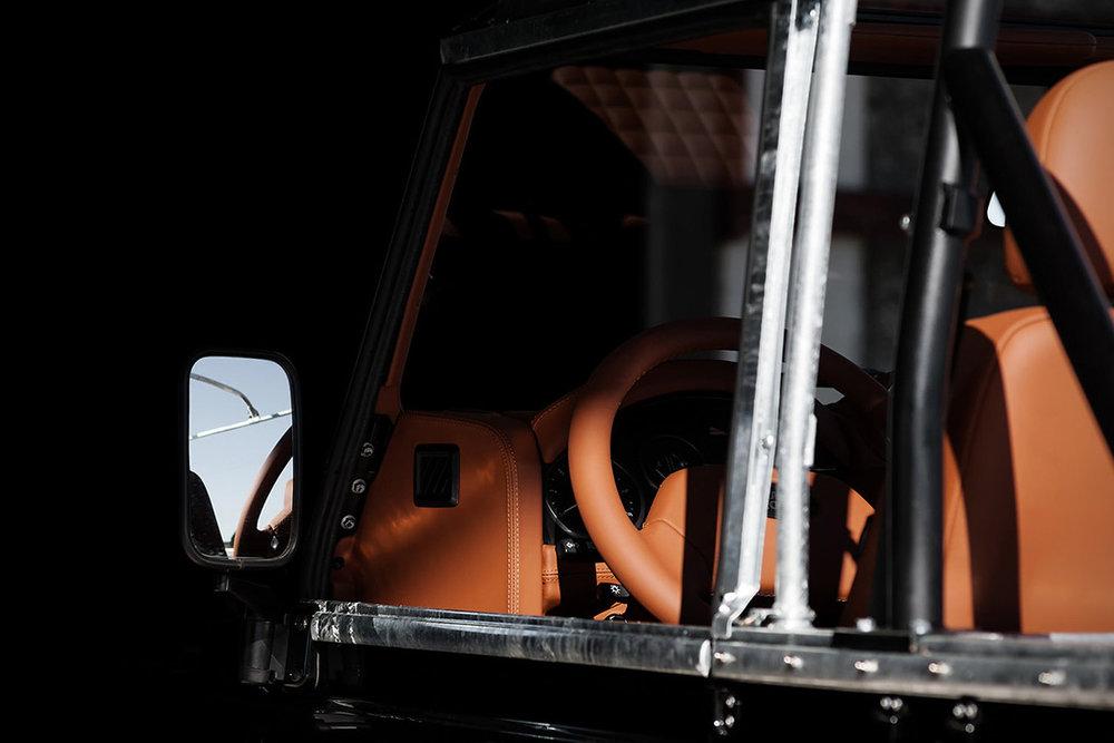 Back-in-Black-Land-Rover-Defender-by-Cool-Vintage-6.jpg