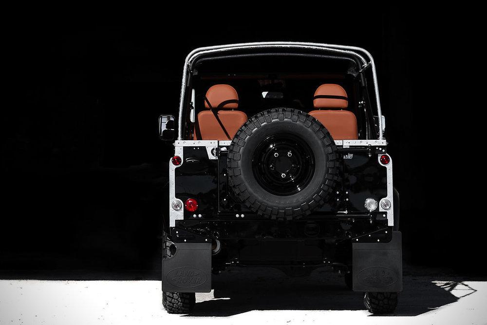 Back-in-Black-Land-Rover-Defender-by-Cool-Vintage-8.jpg