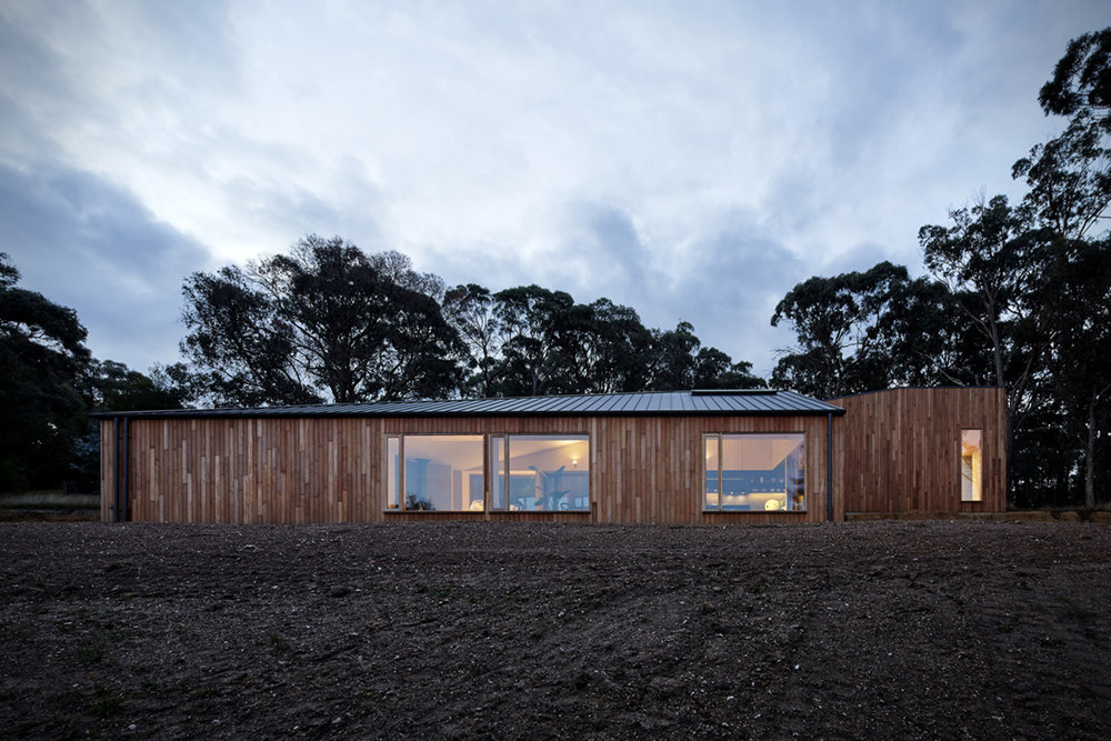 Two-Halves-House-By-Moloney-Architects-2.jpg