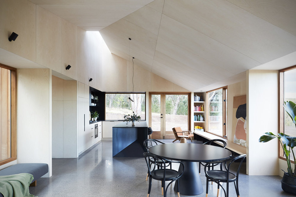 Two-Halves-House-By-Moloney-Architects-3.jpg