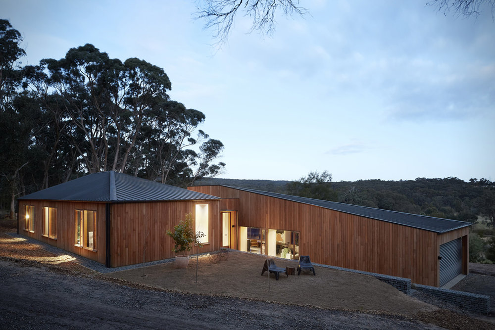Two-Halves-House-By-Moloney-Architects-8.jpg