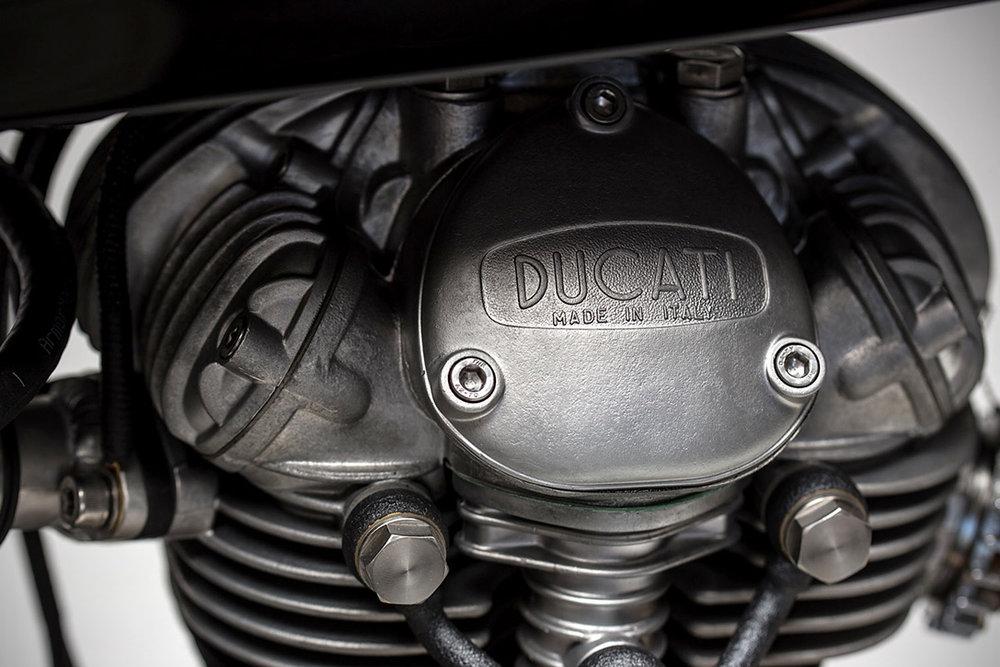 1965-22Dastardly-Ducati22-250-Scrambler-by-MotoRelic-6.jpg