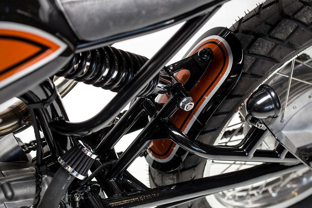 1965-22Dastardly-Ducati22-250-Scrambler-by-MotoRelic-8.jpg