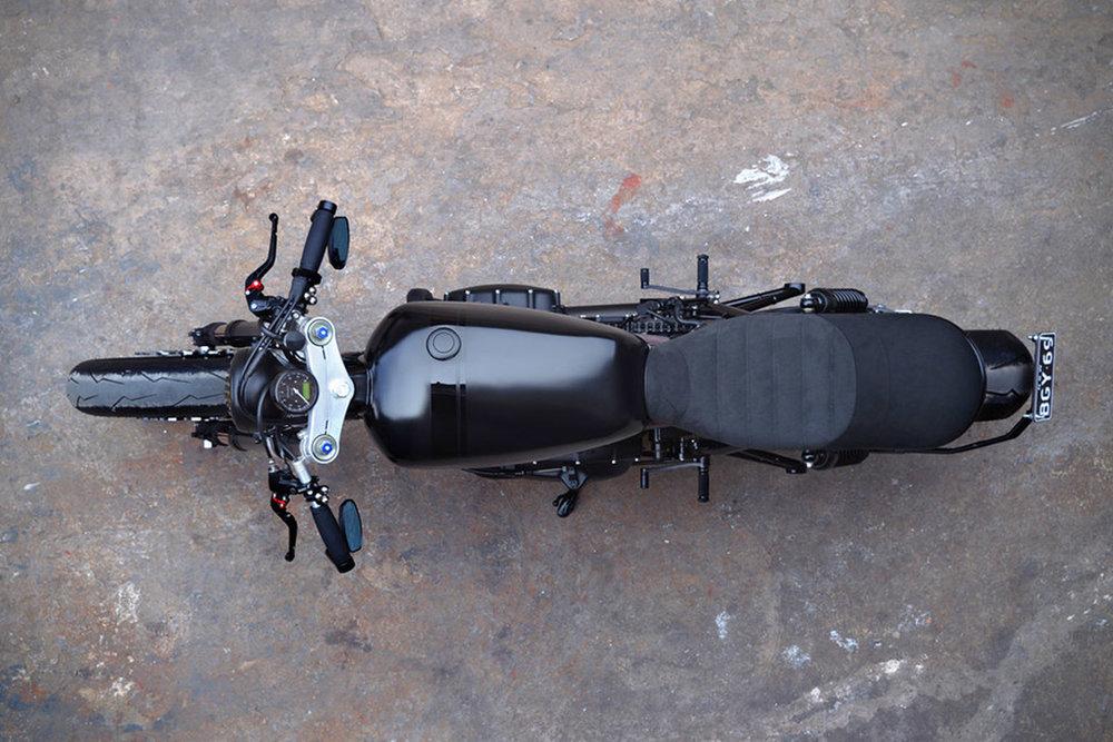 2014-Triumph-Bonneville-Blak-By-Gasoline-Motor-Co.-4.jpg