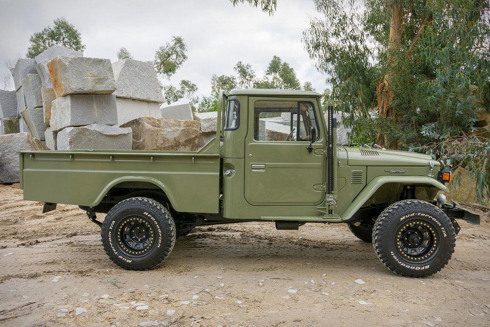 toyota-hj-45-truck-2.jpg