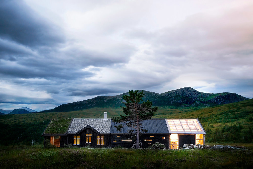 tolls-peak-cabin-1.jpg