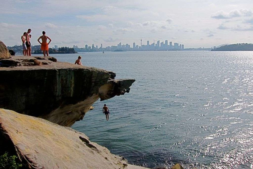 10 Best Cliff Jumping Spots in Sydney - Man of Many