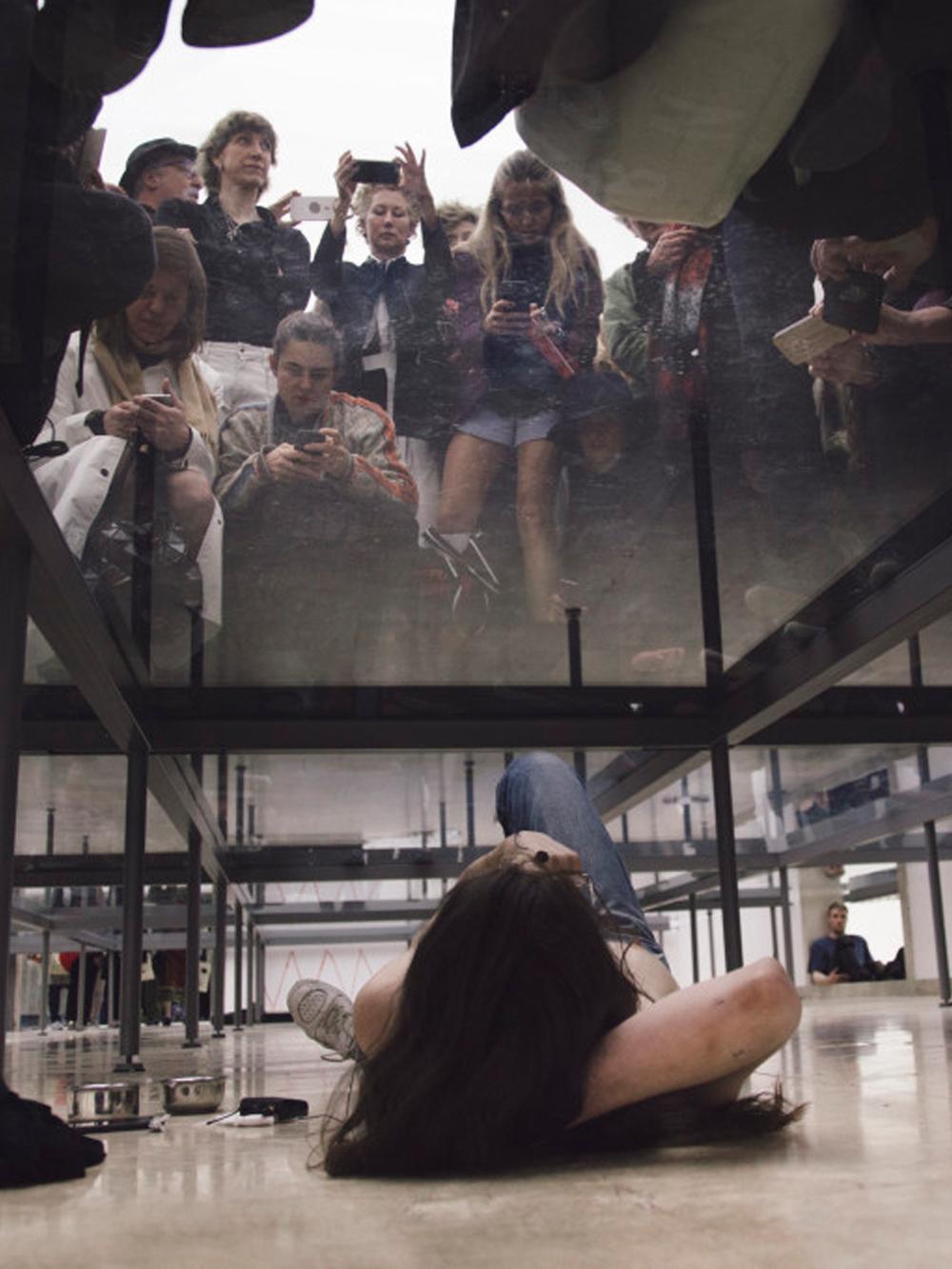 Anne Imhof, Faust, 2017. German Pavilion, 57th International Art Exhibition – La Biennale di Venezia © Photography: Nadine Fraczkowski. Courtesy: German Pavilion 2017 and the artist