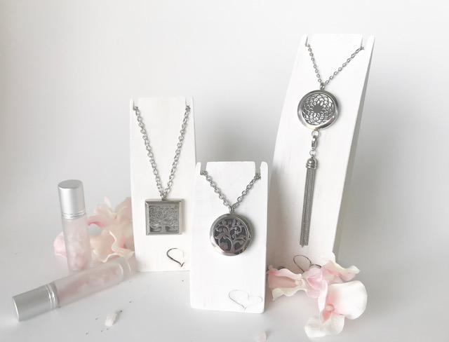 essential oil necklaces - a diffuser necklace by jodie podie will instantly become your 'go to' jewelry piece. enjoy your favourite stimulating or relaxing essential oil anytime you want to set your mood or 'the mood'.add an intention charm holder paired with an intention charm to assist in opening your heart and setting your mindset for the day. A great visual cue to keep you on task.