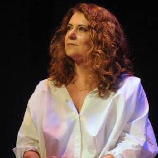 "Leitura com ""Asdrubal Trouxe o Trombone"" na reinauguração do @teatroipanema #tbt #patricyatravassos #asdrubaltrouxeotrombone #teatrosim #profissaoartista"