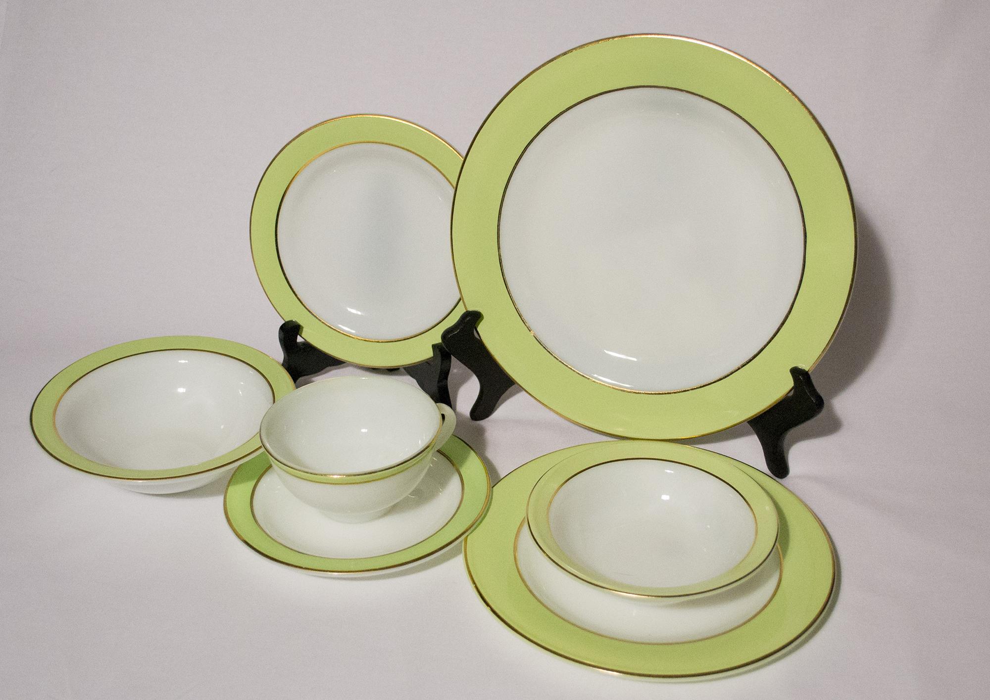 Pyrex - Rare 28 Piece Vintage Lime Green & Gold Dinnerware — UNDER ...
