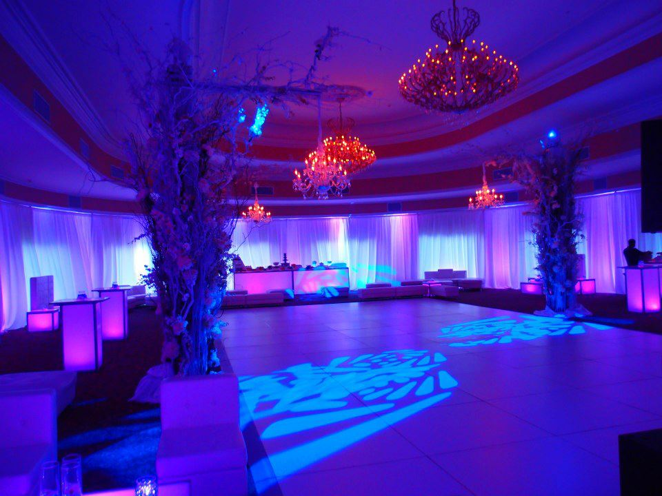 event-decor-812405390_n[1].jpg