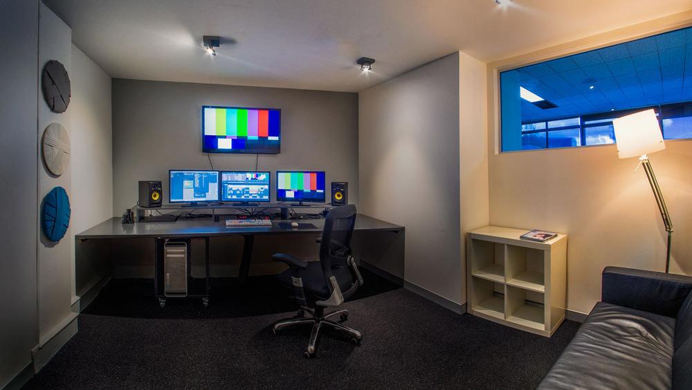 Offline edit suite