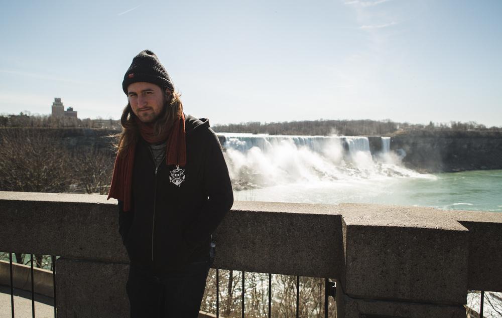 Niagra Falls-2.jpg