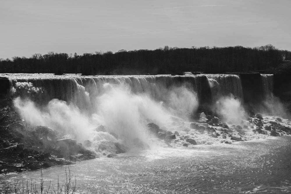 Niagra Falls-3.jpg