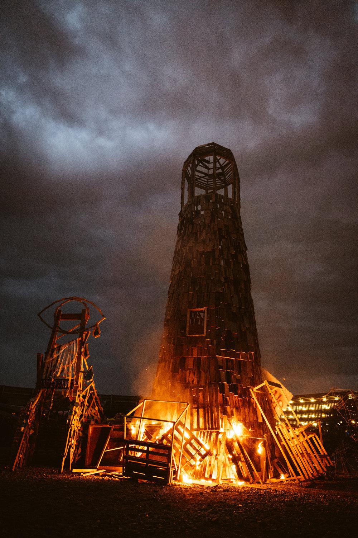 der brennende Leuchtturm