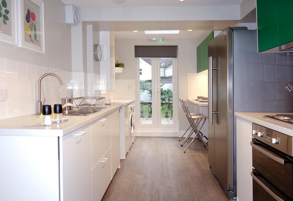H2 Kitchen with Breakfast Bar.jpg