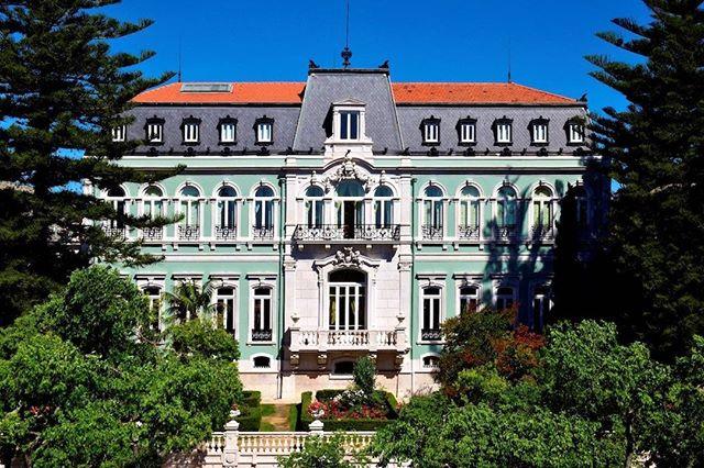 Uma das mais elegantes propriedades do Grupo Pestana, o Palace, em Lisboa, te convida a viver do jeito que a nobreza vivia, mas com todo o conforto da modernidade. Um hotel palácio espetacular. @pestanahotels #thetimeofmylife
